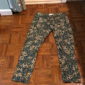 Pants - Lightweight Cropped Floral Pants